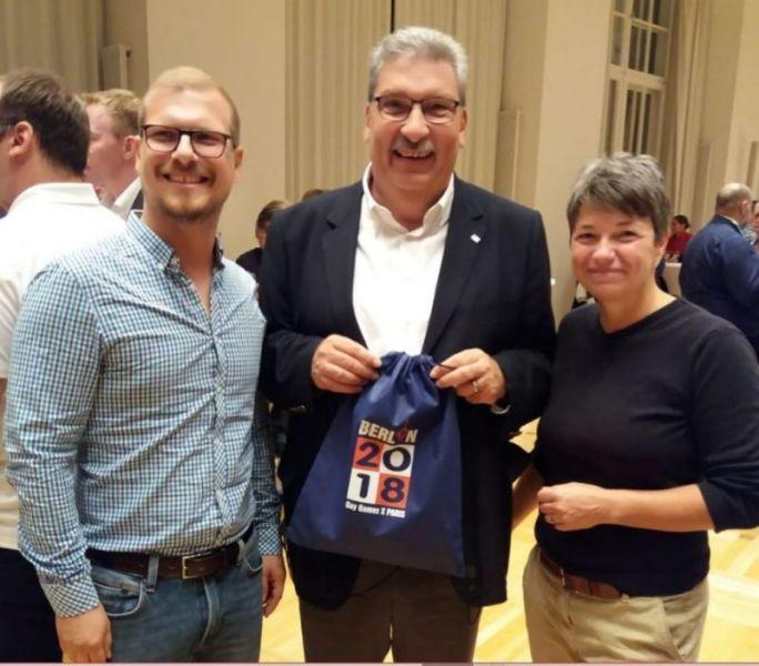 files/vorspiel_ssl_bln/bilder/news_events/2018-09 Empfang Abgeordnetenhaus GayGames-Teilnehmer.JPG