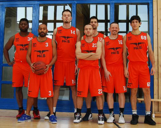 Basketball - Orange-Vorspiel-Team