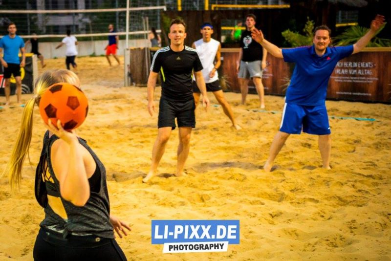 tl_files/vorspiel_ssl_bln/bilder/news_events/Voelkerball_Gaybeach_2017.jpg